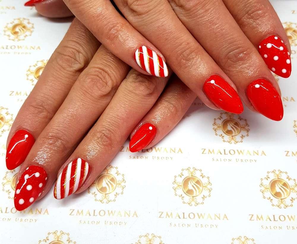 Bożonarodzeniowe, świąteczne paznokcie, czerwone długie hybrydy