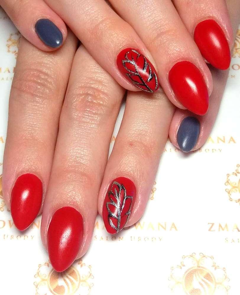 czerwone paznokcie hybrydowe, długie z wzorkiem w migdał