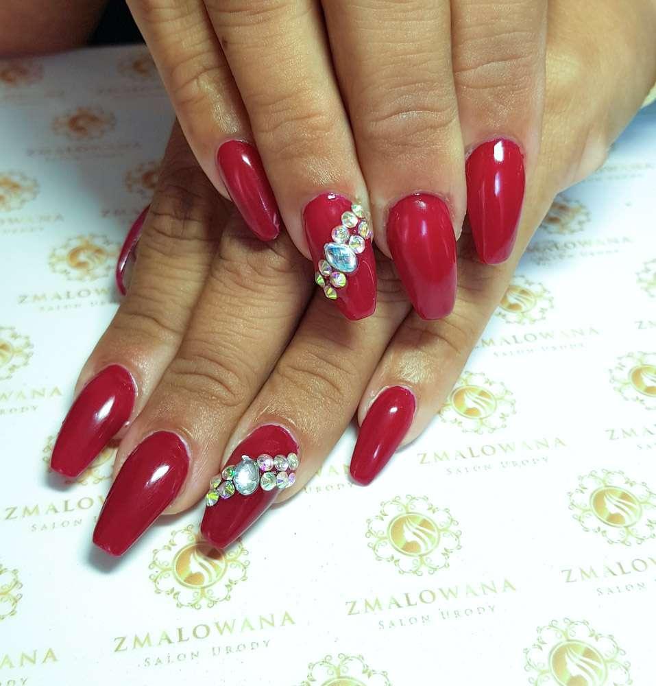 Długie paznokcie żelowe w kwadrat klasyczne czerwień
