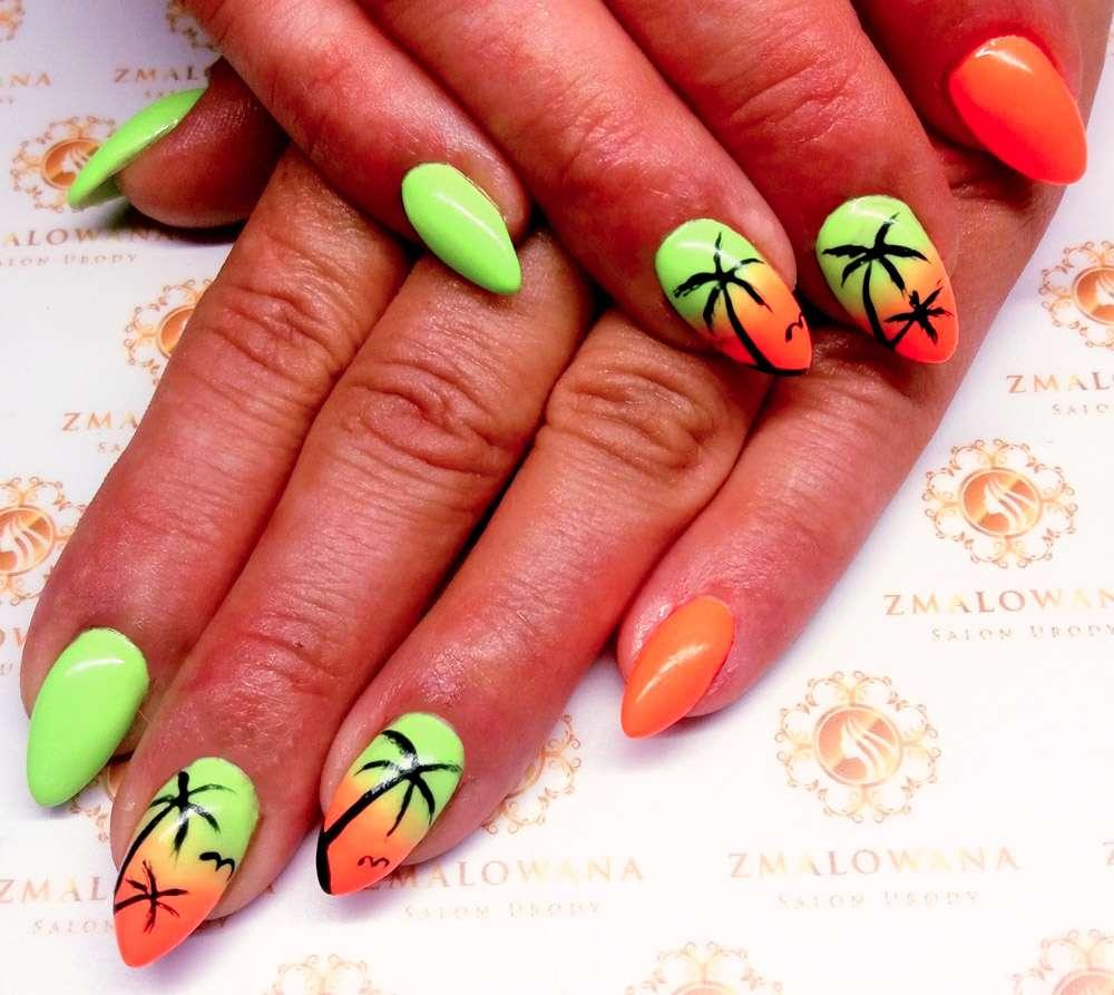 długie hybrydowe w migdał paznokcie, letnie wakacyjne, zielono pomarańczowe w palmy